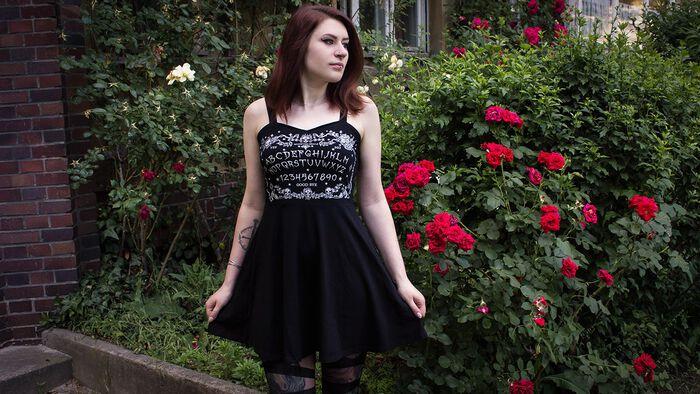 Ab in den Sommer mit dem Ouija Kleid von Jawbreaker