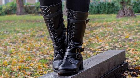 Rockig durch den Winter – die There You Go Stiefel von Gothicana