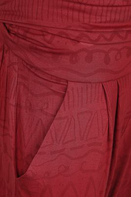Sport und Yoga - rote Stoffhose mit Alloverprint
